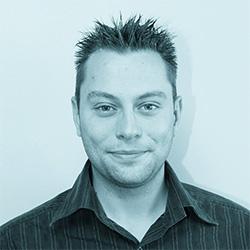 Etienne - Administrateur Système Linux et Windows